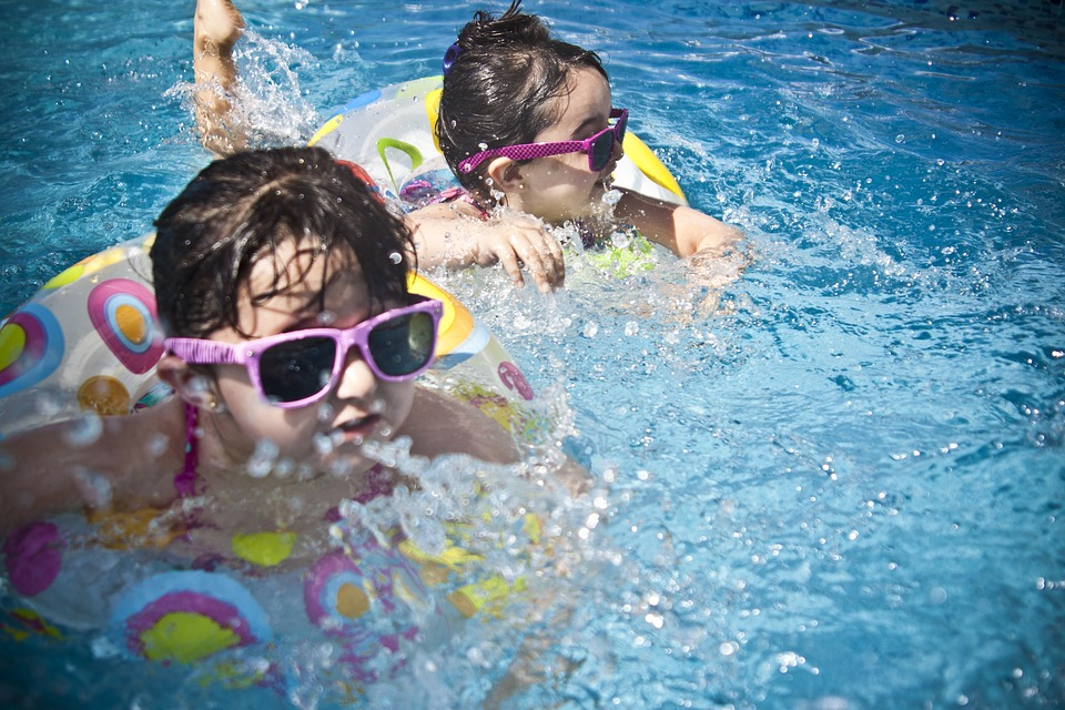 Protect your eyes by wearing UV-blocking sunglasses