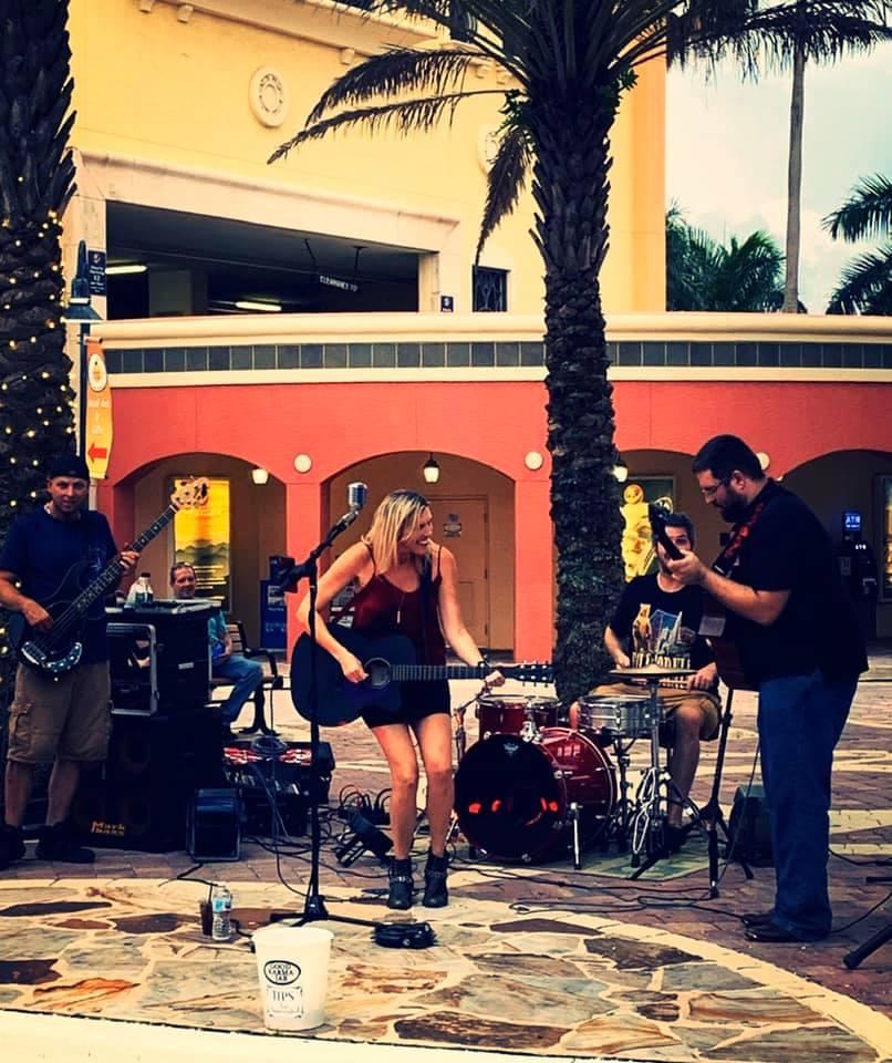 Julie Savannah Band LIVE @ Fathoms