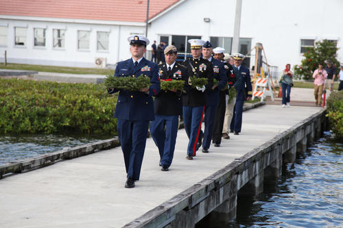 SuEllen's Floral Company Participates in Wreaths Across America's 'The Floating Flotilla'